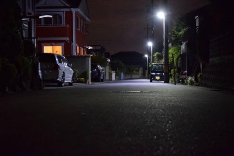 暗い夜道の画像